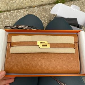 Brand new hermes Kelly to go gold